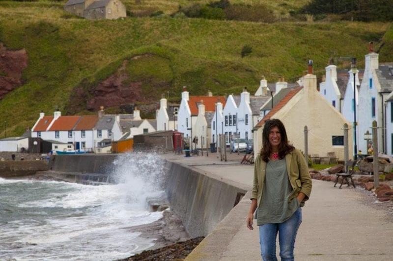 Nani Arenas en Pennan, Escocia, escenario de Local Hero