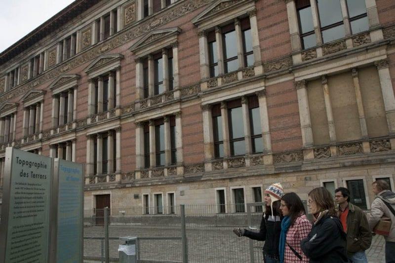 Fachada del viejo cuartel de la Gestapo
