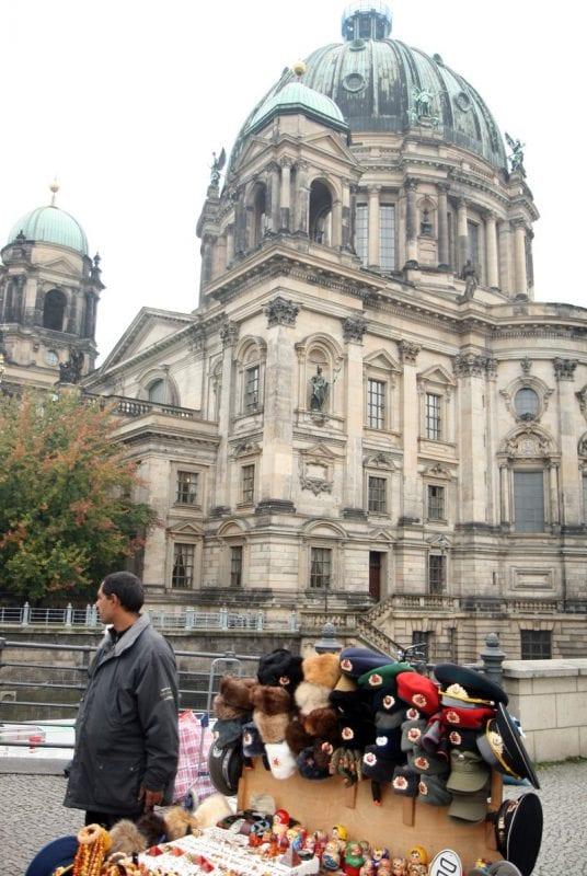 Merchandising a la venta en Berlín