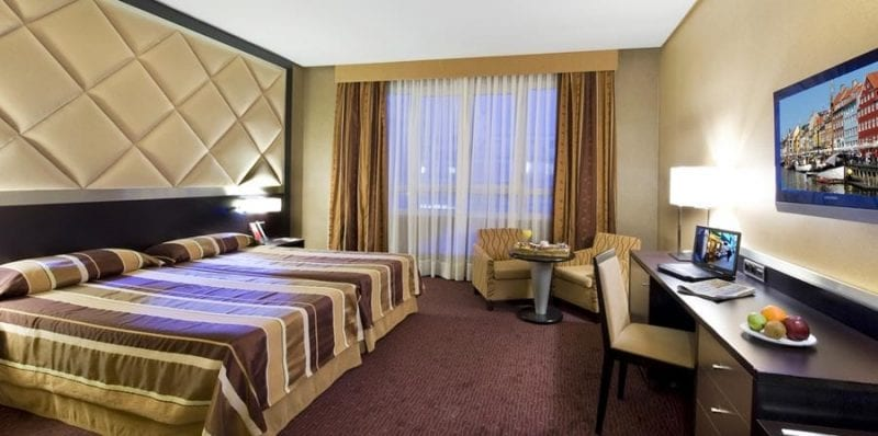 Detalle habitación hotel HCC St. Moritz, en Barcelona