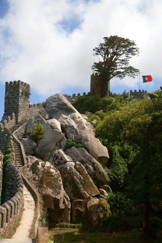 Escalera de acceso al castillo de Sintra