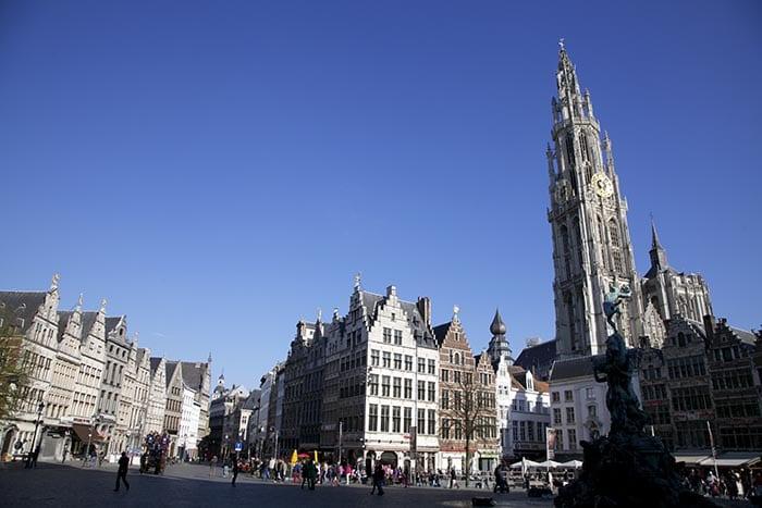 La Catedral de Amberes tardó 169 años en construirse