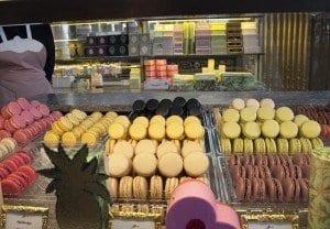 Los macarons de Ladurée son un manjar para muchos viajeros