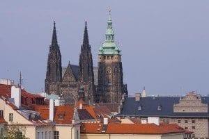 Las torres de la catedral de la catedral de San Vito se ven desde toda la ciudad