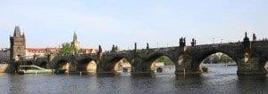 Panorámica del Puente de Carlos