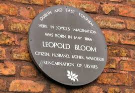 Placa en homenaje a Leopold Bloom en Dublín