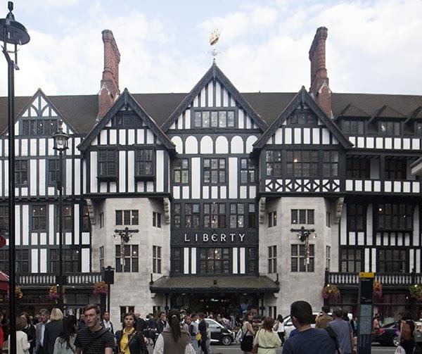 La fachada de Liberty es un ejemplo de la arquitectura estilo Tudor