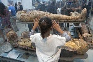 A los niños, las momias les impresionan