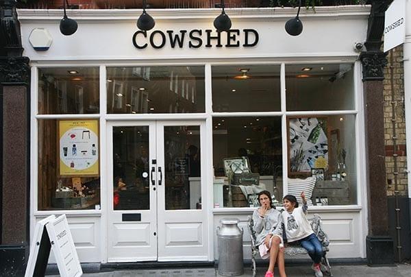 Fachada de la tienda de Cowshed en los alrededores de Carnaby street, en Londres