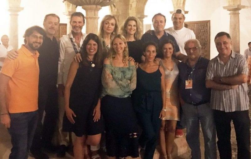 Nani Arenas con Cristina Morató, Javer Reverte, Paco Nadal y otros grandes viajeros en un congreso