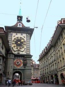 La Torre del Reloj (Zytglogge) fue la primera puerta oeste de la ciudad (1191 - 1256)
