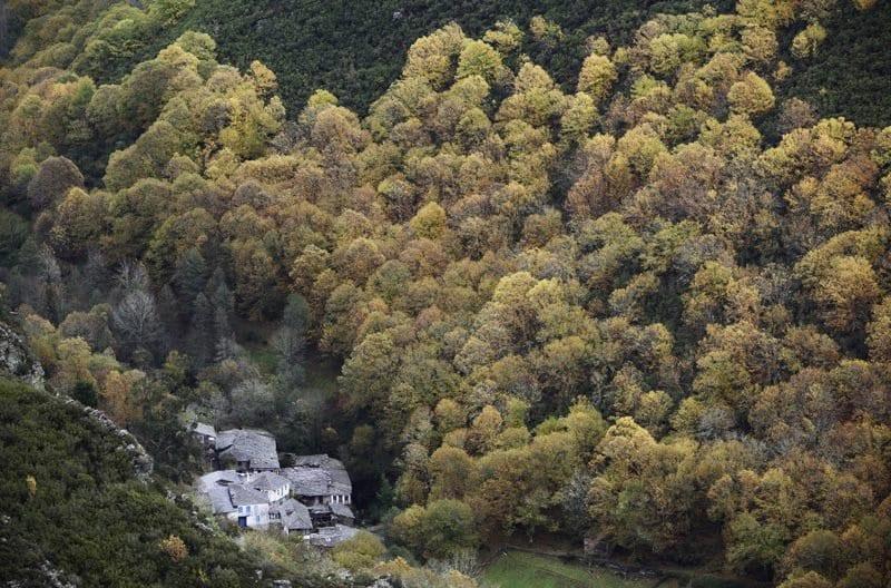 Vista aérea de las aldeas del Courel