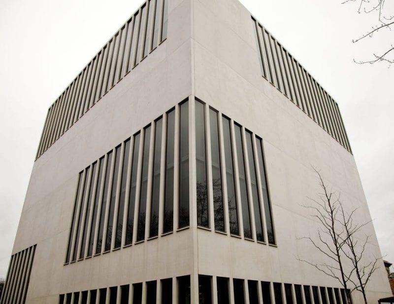 CNS fachada cubo