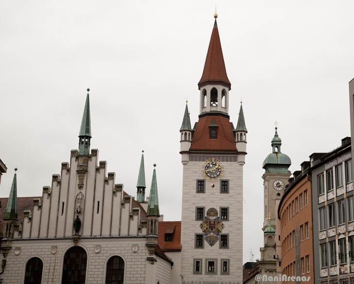 La torre del viejo Ayuntamiento es otro de los iconos de Munich