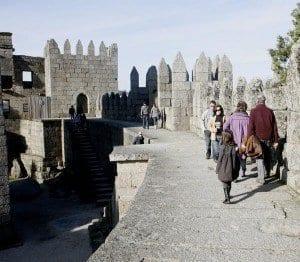 El interior del castillo está hueco y la entrada es gratuita