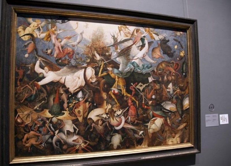 La caída de los Ángeles rebeldes, de Pieter Bruegel el viejo, es uno de los cuadros más importantes del Museo de Bellas Artes de Bruselas