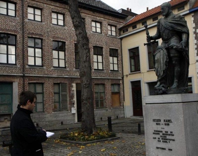 Escultura de Carlos V en Gante
