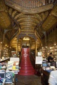 Escalera de la librería Lello e Irmão