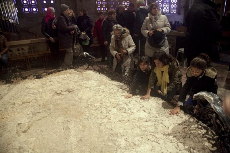 Piedra sagrada sobre la que rezó Jesús en Getsemani piedra
