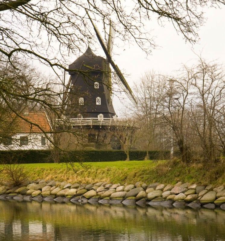 El molino (Slottsmöllan) está en el Kungsparken.
