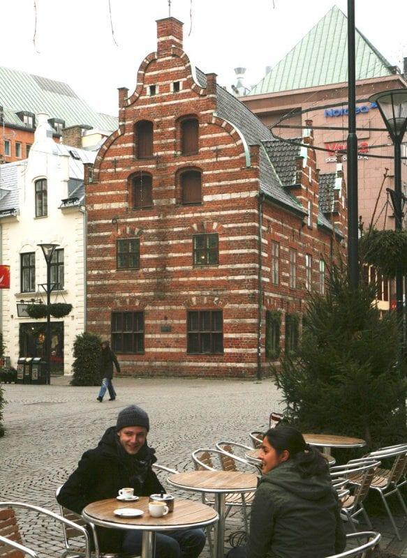 En Malmö las terrazas siempre tienen gente, aún en invierno
