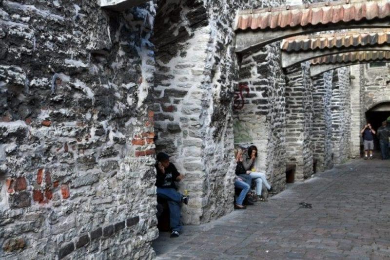 Callejón de Santa Catalina en Tallinn
