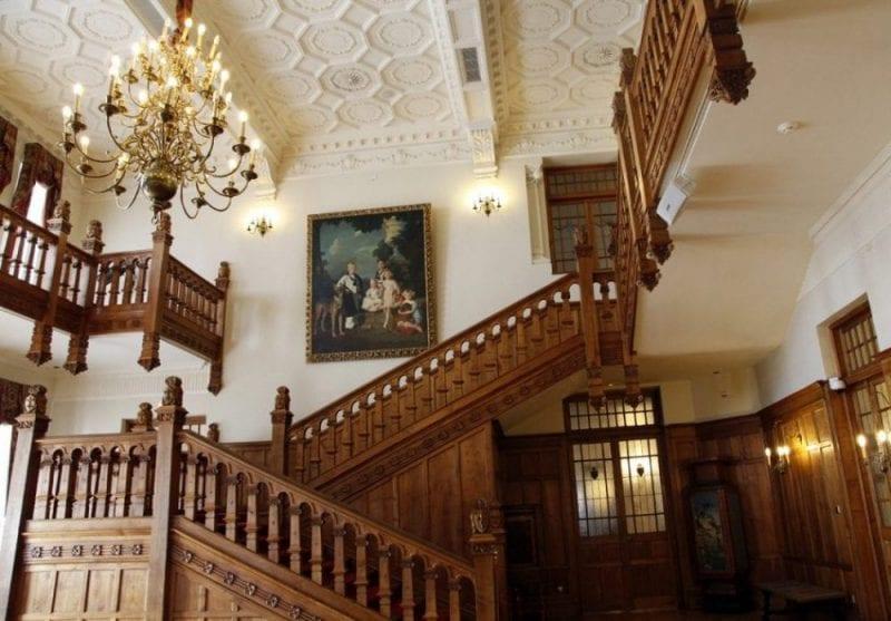 Entrada principal al palacio de la Magdalena