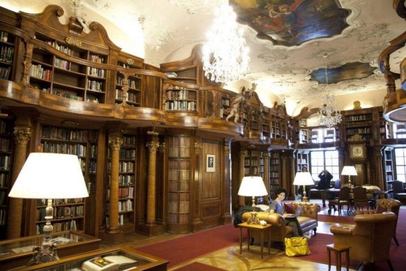 Biblioteca del Leopoldskron