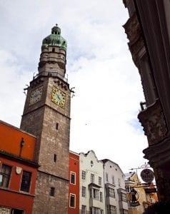 La torre de la ciudad mide 56 metros de alto
