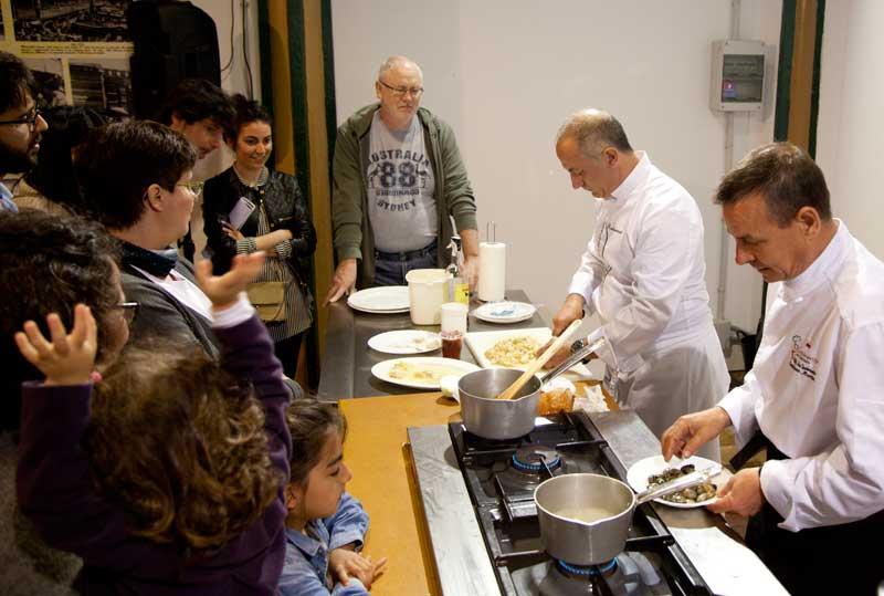 Tras el tour se hace una clase de cocina