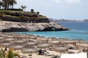 Las playas de Costa Adeje están a unos 15 minutos a pie del hotel