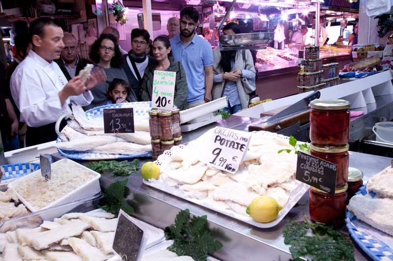 Tour por el mercado con el cocinero Fernando Pérez, de El Machinero