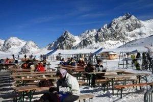 En el glaciar de Stubai se puede esquiar en primavera