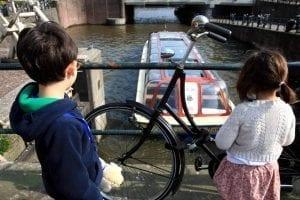 Canales y biciletas, símbolos de Amsterdam