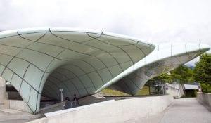 Detalle de la estación del funicular en la parada de Seegrube