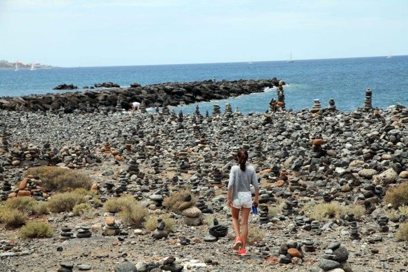 Curiosas esculturas de piedras en la costa de Adeje