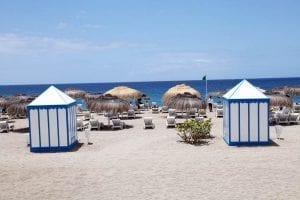 En Adeje hay playas solitarias y otras bien equipadas