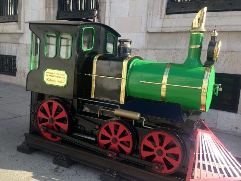 Locomotora de castañas, un clásico en el otoño de Santander