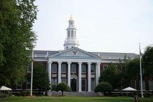 La clásica arquitectura que da forma al campus de la universidad de Harvard es una foto obligada de todos quienes se acerquen a Boston