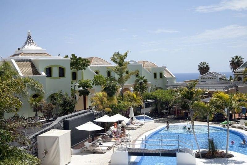El hotel Suite Villa María tiene 78 villas con vistas al mar