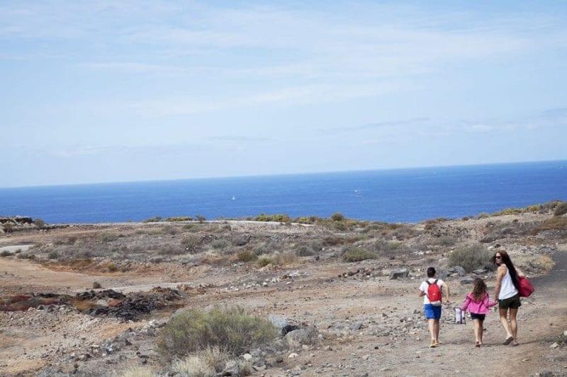 Camino que lleva a la playa Blanca