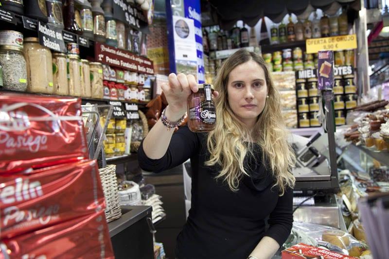 Puesto de productos cántabros en el Mercado de la Esperanza de Santander