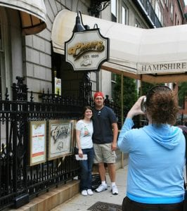 El bar Chears, es igual al de la serie y abierto para quien quiera tomar una cerveza en un lugar mítico.