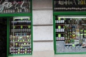 En Santander aún quedan viejas tiendas de ultramarinos
