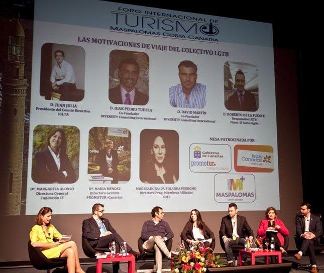 Participantes de en la mesa dedicada al segmento LGTB