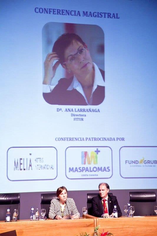 Ana Larrañaga durante la conferencia inaugural