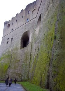 Fachada del castillo de San Elmo