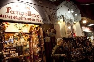 Puesto de belenes en la calle Gregorio Armenio