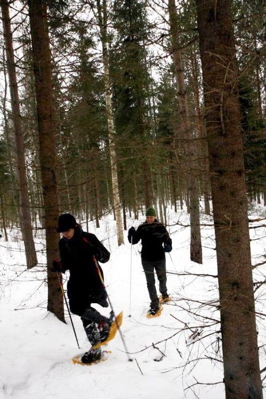 Con las raquetas puedes acceder a zonas imposibles con esquís