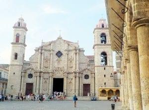 Se dice que en catedral de la Habana reposaron, hasta 1989, los restos de Cristóbal Colón